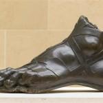 Левая нога конная статуя Людовика XIV. Girardon François (1628-1715) Keller Jean-Balthazar (1638-1702)