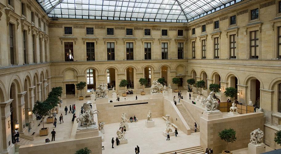Главный зал, музей Лувр